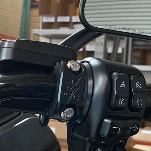 スラッシンサプライ■クラッチ/ブレーキ パーチクランプ オールブラック Thrashin Supply Clutch/Brake Perch Clamp ALL Black [TSC-2703-AB]
