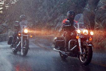 【イナッキー】『雨対策グッズ』コスパ最強!バイクカバー、レインウェアはこれで決まり♪